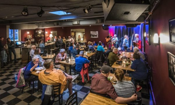 Isis_Music_Hall_Lounge_Simchock_Acoustic_Music-1024x683